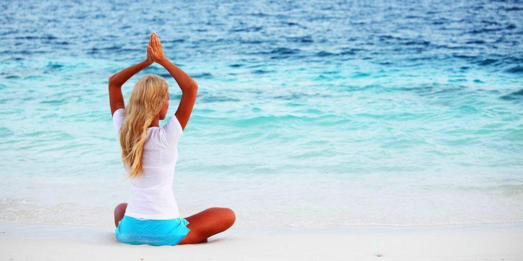 Йога на побережье Испании