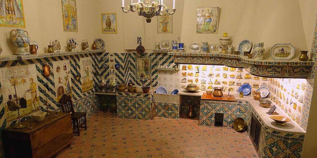 Керамические изделия музея. Валенсия
