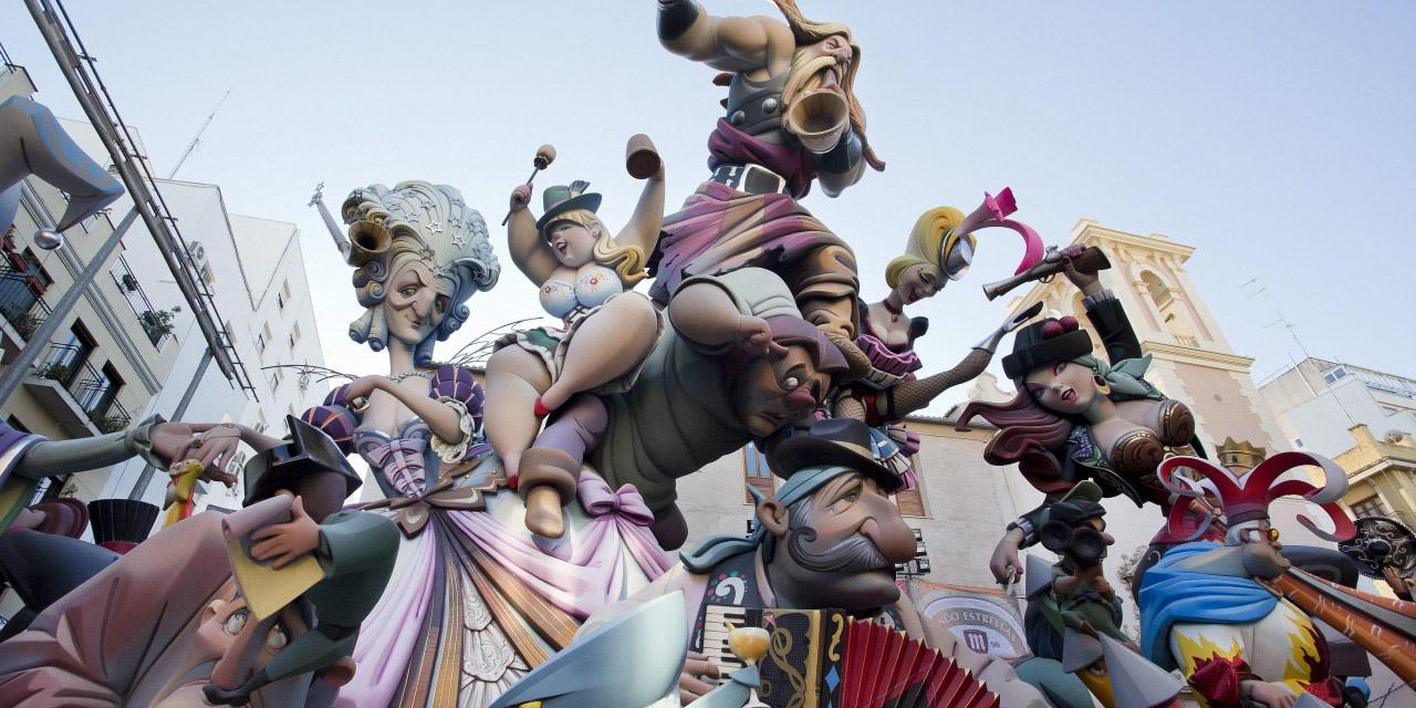 Ниноты фестиваля Фальяс в Валенсии