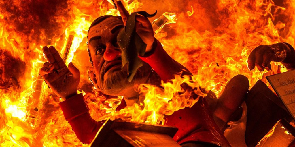 Фестиваль огня в Валенсии