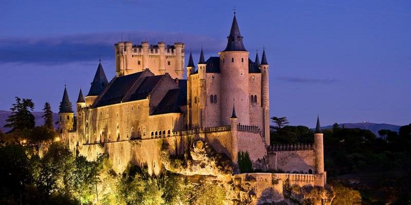 Алькасар в Сеговии – живописный сказочный замок